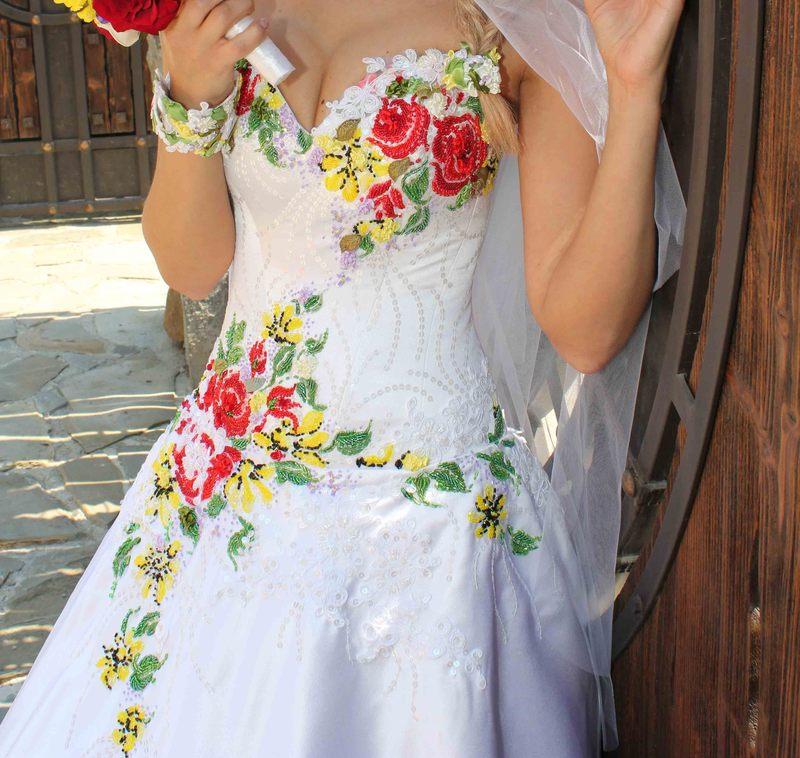 В украинском стиле свадебные платья