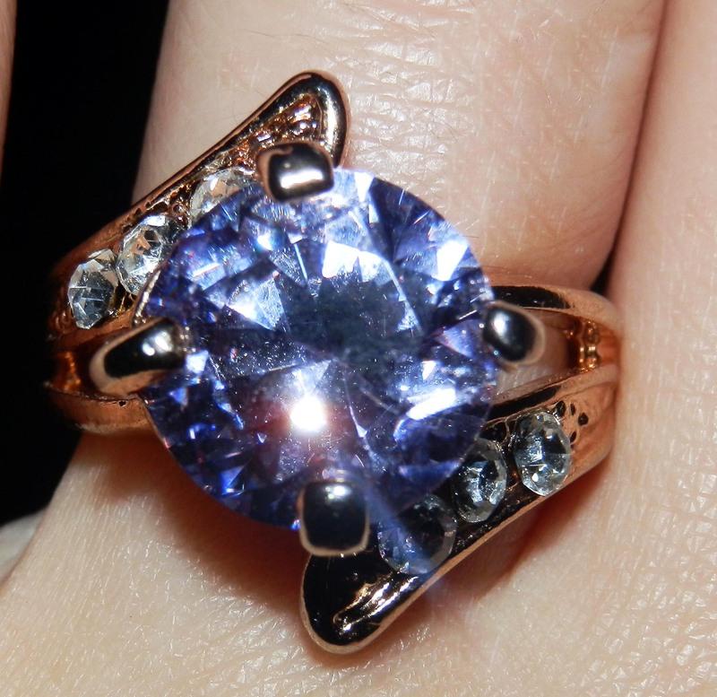 Красивые кольца с камнями фото 6