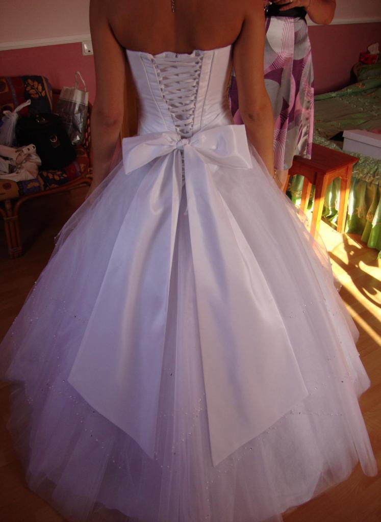 Свадебные платья с большим бантом