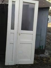Двери б/у межкомнатные двустворчатые -натуральное дерево(сосна)