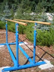 Брусья гимнастические ,  гимнастическое оборудование и снаряжение для ш