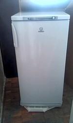 Срочно продам б/у холодильник Indesit SD 125 (еще на гарантии)