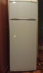 Продам двухкамерный холодильник Atlant MXM-2808-090