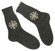Носки ручной работы с вышивкой Снежинки
