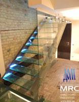 Лестница со стеклянными ступенями dom.ua/content/view/243/251