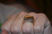 Мужской золотой перстень!Хорошо уступаю!Срочно