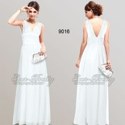 Белое вечернее платье в греческом стиле.