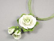 Кулон White roses
