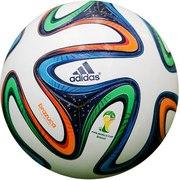 Профессиональные футбольные мячи ведущих производителей Adidas,  Nike,