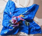 Продам небольшой шелковый батик-платок