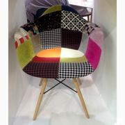 кресло Paris в цветной ткани, пластиковое кресло в цветной ткани Paris