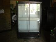 Продам холодильный шкаф б.у. со стеклянной дверью для кафе,  ресторанов