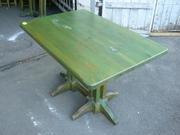 Продам б/у комплект мебели зеленого цвета для кафе