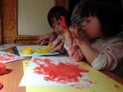 Юные талантливые художницы продают свои рисунки