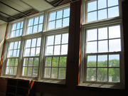 Американские окна гильятинного типа .