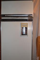 Продам простой и надежный,  абсолютно рабочий холодильник ОКА 6М