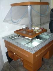 Продам б/у витрину для салотов Igloo для столовых,  общепитов,  фуршетов