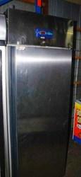 Купить холодильный шкаф бу DESMOND BM7 A