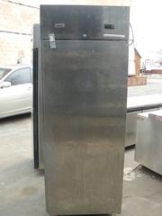 Продам холодильный шкаф Zanussi бу для кафе,  ресторанов