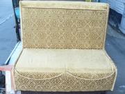 Продажа золотистых велюровых диванов