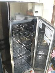 Продам бу холодильный шкаф Zanussi
