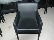 Продам бу  мягкие стулья черные с подлокотниками