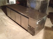 Продам холодильный стол бу на 4 двери Desmon