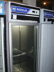 Продам новый холодильный шкаф Modular 702 TNV со стеклянной дверью