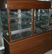 Продам бу холодильную витрину для салатов/кондитерских изделий