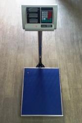 Купить торговые весы с калькулятором до 350 кг. Alfasonic ВПС-350