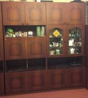 Шкаф бюро и шкаф сервант в хорошем состоянии