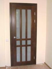 Межкомнатные двери из массива дерева.