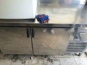 Продам двухдверный холодильный стол бу для ресторана