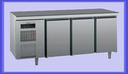 Холодильный стол со скидкой. Новый холодильный стол Sagi Uuniversal Ku