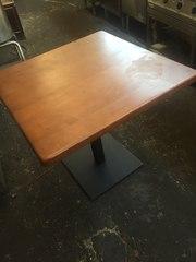 Продам  деревянный стол с металлическим основанием бу