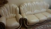 Цену снижено!!! Комплект кожаный: -  диван трехместный раскладной + кресло
