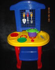 ПРОДАМ детскую игрушечную кухню + бонус
