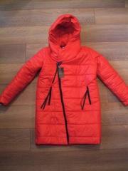 Стильная куртка женская красная на косой замок