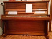 Фортепиано коричневый.