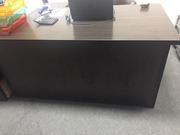 Продам офисный стол,  стол руководителя,  цвет дуб венге