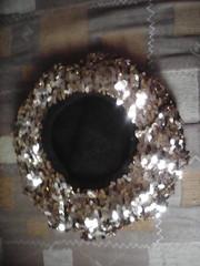 Берет  нарядный с золотыми пайетками