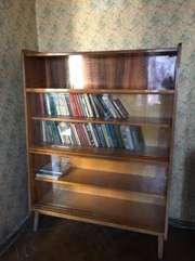 Шкаф для книг с полками