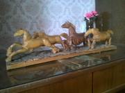 Табун лошадей резьба по дереву