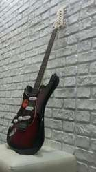 Левосторонняя Электрогитара Squier by Fender Standart Stratocaster