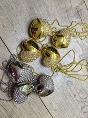 Лучший подарок для девушки - 2в1 ювелирное украшение - флешка