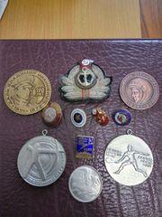 продам значки сср спорт и памятные медали