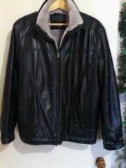 Куртка зимняя,  стильная,  кож.зам с теплой меховой подкладкой. Одевалас