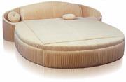 Круглая кровать Каприз с матрасом,  подушками и покрывалом