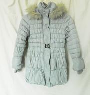Пальто зимнее для девочки-подростка р.146(холлофайбер) б/у