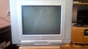 Телевизор б/у LG, 2013 года, диагональ 38 см, небольшой